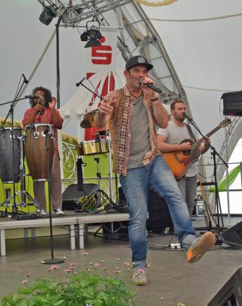 Für Partystimmung sorgte am Samstag die Band Marquess mit ihrem Frontmann Sascha Pierro.