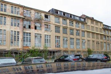 """Dieses marode Gebäude an der L.-F.-Schönherr-Straße verschandelt bisher das Westend, doch der Abbruch ist geplant. An seine Stelle kommen der herbeigesehnte Verkehrsübungsplatz und zusätzlich eine """"Freizeitanlage mit Sport- und Spielmöglichkeiten"""", wie es heißt."""