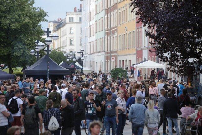 Über 1.500 Besucher waren bereits am Nachmittag auf der Musikmeile unterwegs.