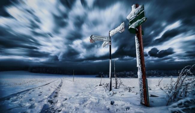 """Die Kälte des Winters springt förmlich aus """"Bewegte Wolken"""" von Alexander Sobeck aus Raschau-Markersbach, der eisige Wind pfeift dem Betrachter um die Ohren. Dazu trägt der durch Langzeitbelichtung entstandene Effekt am Himmel bei. Auch die Komposition stimmt. Das Bild entstand in den Zwischentagen.     Die Kälte des Winters springt förmlich aus """"Bewegte Wolken"""" von Alexander Sobeck aus Raschau-Markersbach, der eisige Wind pfeift dem Betrachter um die Ohren. Dazu trägt der durch Langzeitbelichtung entstandene Effekt am Himmel bei. Auch die Komposition stimmt. Das Bild entstand in den Zwischentagen."""