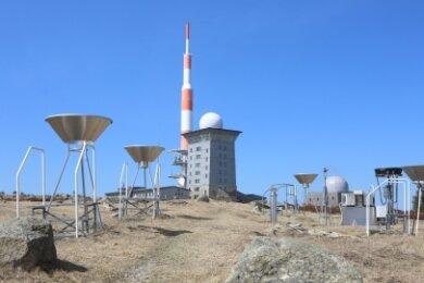 Referenzmessstelle: Auf dem Brocken im Harz wird bereits seit 1839 systematisch Wetter aufgezeichnet.