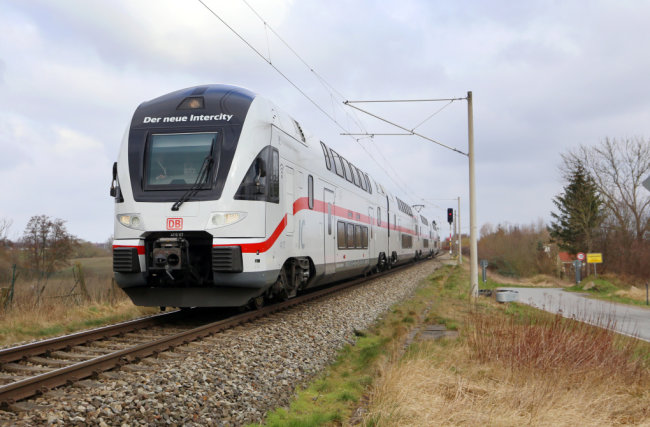 Diese Doppelstock-Intercitys fahren schon zwischen Rostock, Berlin und Dresden. Einige davon sollen ab Sommer 2022 nach Chemnitz verlängert werden.