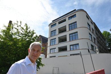 Die Immobilienfirma Hansa Real Estate aus Leipzig mit ihrem Vorstand Eckhard Stiegele hat die ehemalige Textilfabrik Goeritz mit dem von Architekt Hans Poelzig errichteten Anbau an der Ulmenstraße sanieren lassen. Zudem wurde am Fuße des Kaßbergs ein neuer Anbau an die Altgebäude errichtet.