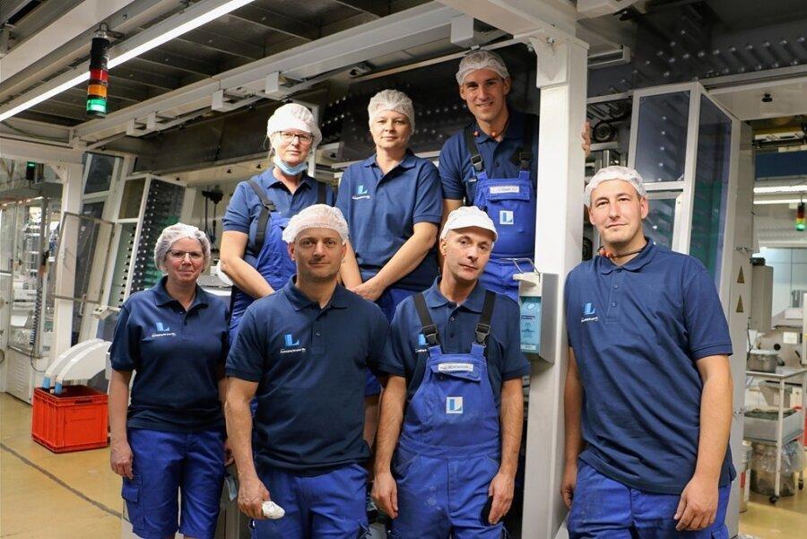 Sie gehören zu den 270 Mitarbeitern bei Linhardt in Pausa. Viele von ihnen sind schon jahrelang im Betrieb. Das Unternehmen will weiter wachsen, sucht händeringend Nachwuchs.