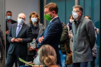 Ministerpräsident Michael Kretschmer (CDU) besuchte am Donnerstag das Gesundheitsamt in Chemnitz