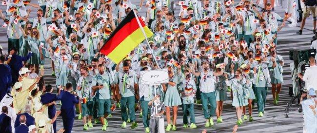 Einmarsch der deutschen Delegation zur Eröffnungsfeier der Olympischen Spiele am vergangenen Freitagabend in Tokio.