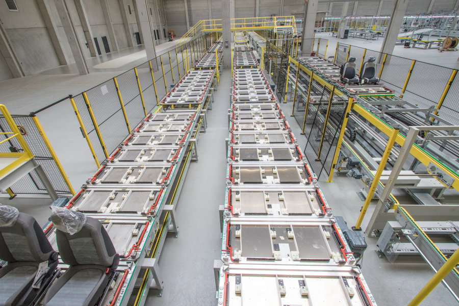 Autositzhersteller nimmt Produktion in Meerane auf