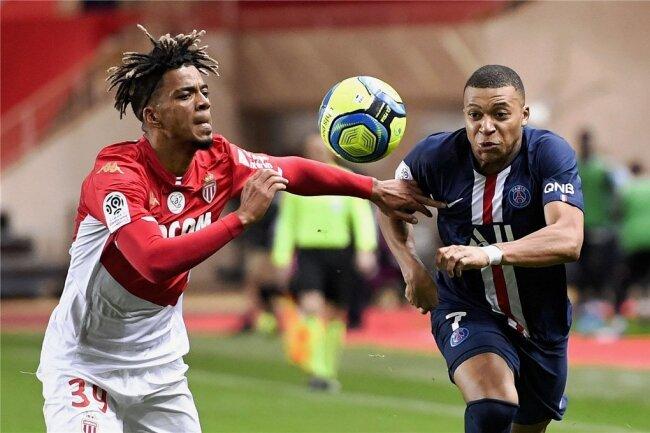 Beim AS Monaco spielte Benjamin Henrichs (links) gegen den Abstieg - und gegen Weltklasse-Spieler wie den französischen Stürmer Kylian Mbappe.