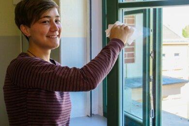 Regelmäßig die Fenster öffnen, am besten alle 30 Minuten. Dazu Stoßlüften in den Pausen. Das gehört für Jessica Schreiber, Lehrerin für Mathe undReligion an der Oberschule Bergstadt Schneeberg, in diesem Schuljahr dazu.