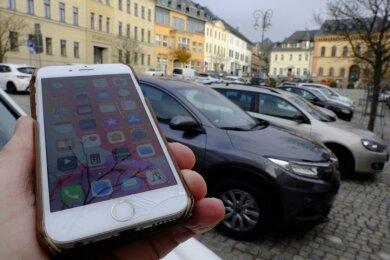 Parkscheinkauf per Telefon: Jeder Parkplatz in Reichenbach hat eine andere Rufnummer. Die Bestätigung erfolgt per SMS. Auf den Plätzen im Zentrum kosten 30 Minuten zehn Cent.