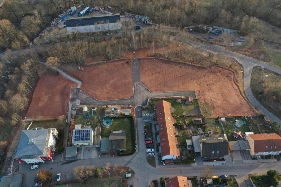 In der Bergallee in Neukirchen sind acht Bauflächen für Häuslebauer entstanden. Vier Eigenheimstandorte sind inzwischen verkauft worden. Für eine weitere Baufläche gibt es bereits einen Interessenten.
