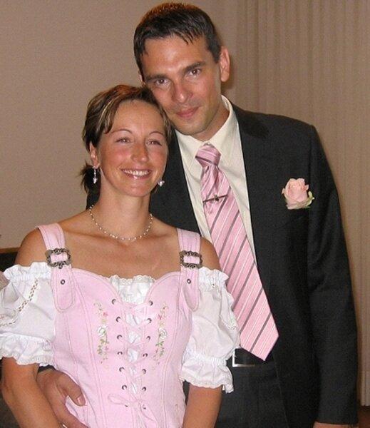 """<p class=""""artikelinhalt"""">Fränkische Hochzeit: Yvonne Zeibig und Chris Helin. </p>"""