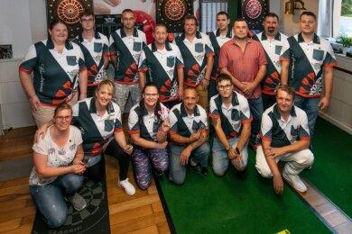 Der neugegründete 1. Gersdorfer Dartclub hat sich zu einer eingeschworenen Truppe gemausert.