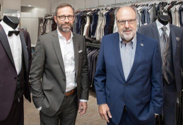 """Auch nach 30 Jahren """"Mode Marius"""" kein Stillstand: der heutige Chef Martin Hechenberger und sein Vater Heiner. Das Unternehmen will verstärkt auf anlassbezogene Mode setzen."""