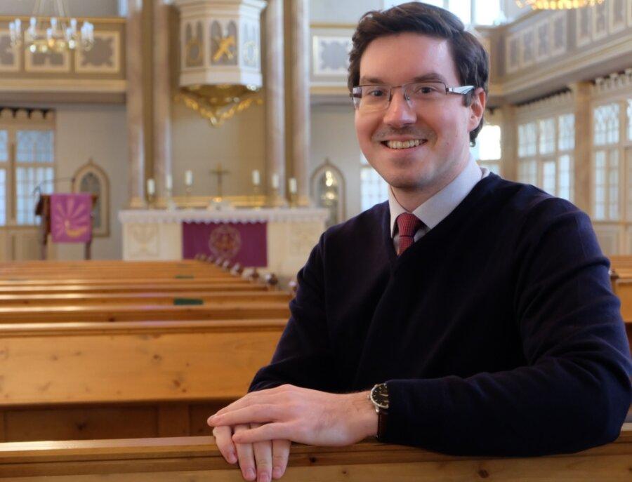 Am 1. März beginnt Matthias Müller seine Arbeit als Pfarrer in der Stollberger Jakobikirchgemeinde. Seine erste Pfarrstelle ist für den 29-Jährigen eine besondere Herausforderung, denn damit verbunden ist auch die Aufgabe des Pfarramtsleiters im Schwesternkirchverhältnis, zu dem neben Stollberg die Gemeinden Oelsnitz, Beutha/Neuwürschnitz, Lugau/Niederwürschnitz, Erlbach-Kirchberg/Ursprung und Leukersdorf gehören.