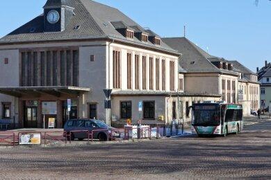 Die Buslinie von Meerane nach Glauchau soll künftig am Bahnhof enden. Das würde für viele Fahrgäste zusätzliches Umsteigen bedeuten.