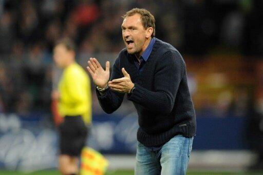 Wollitz bleibt nach Drittliga-Abstieg Cottbus-Trainer