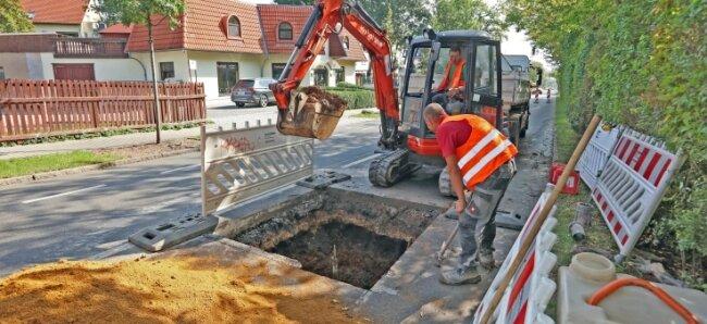 Die Reparatur an der Werdauer Straße läuft.