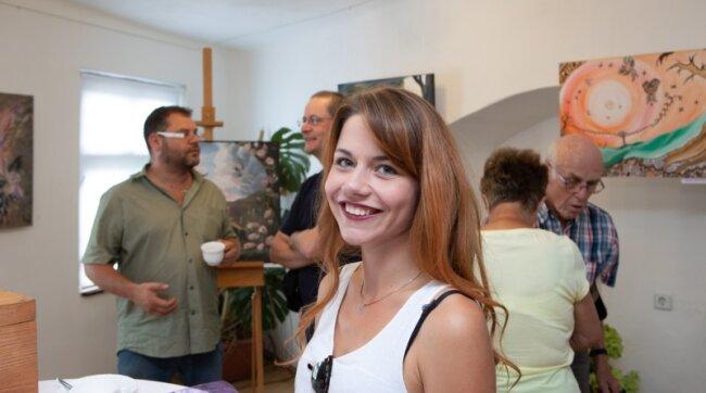 Lisa Wohlgemuth bei der Autogrammstunde im Schlettauer Schloss.