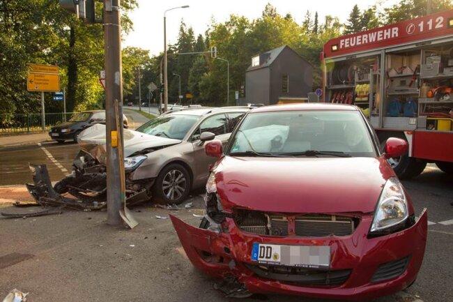 Ein Suzuki und ein Citroen kollidierten am Freitagnachmittag an einer Freiberger Kreuzung.