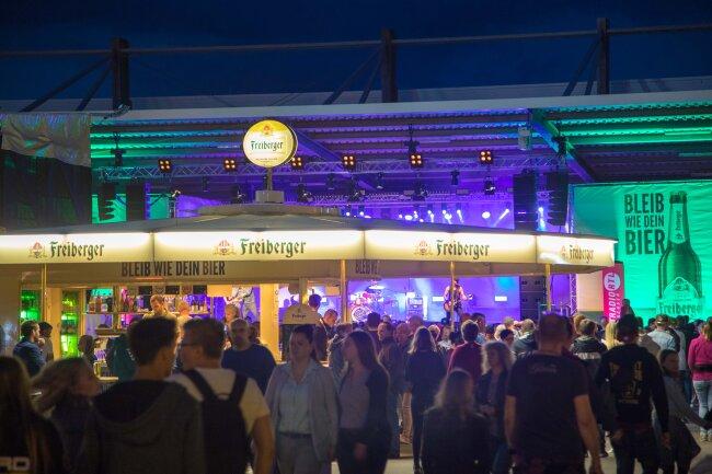 Pünktlich zum Freitagabend 20 Uhr haben sich die Tore zum Freiberger Brauhausfest geöffnet.
