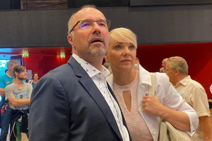 Steffen Zenner mit Ehefrau Conny. Der CDU-Bewerber wird Plauens neuer Rathauschef.
