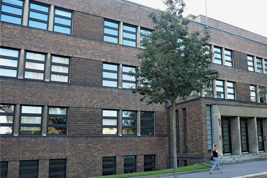 Seit anderthalb Wochen läuft der Unterricht an der Pestalozzi-Oberschule in Zwickau wieder. Eine neunte Klasse hat allerdings den Großteil dieser Zeit zu Hause verbracht - Quarantäne.