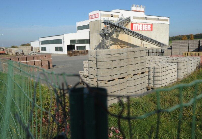 Das Meier Betonwerk prägt derzeit noch das Gewerbegebiet in Diethensdorf. Doch die Gesellschafter wollen das Werk zum Jahresende dicht machen.