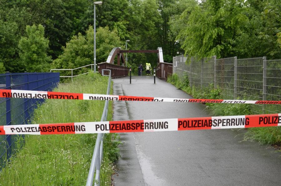 Toter an Brücke in Chemnitz gefunden