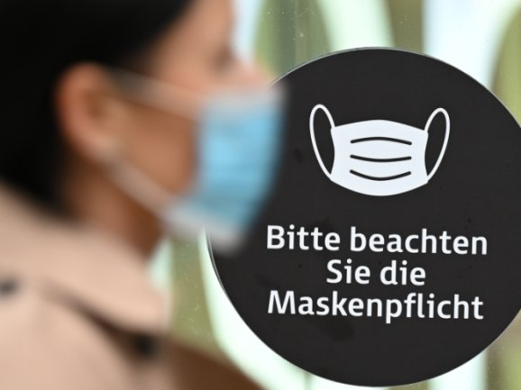 Verstöße gegen die Maskenpflicht kosten 60 Euro. Trotzdem hält sich im Erzgebirge nicht jeder daran.