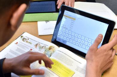 Die 30 Tablet-Computer, die die Gemeinde Taura seit Herbst für die Johann-Esche-Grundschule bestellt hat, sind immer noch nicht eingetroffen.