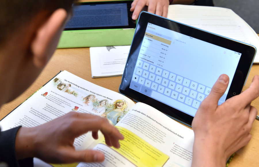 Das Lernen zu Hause setzt nicht nur die Bereitschaft aller Beteiligten dazu voraus, sondern auch eine notwendige technische Ausstattung.
