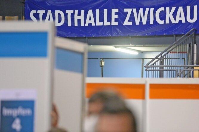 Das Impfzentrum für den Landkreis ist in der Stadthalle Zwickau eingerichtet worden.