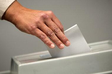 Wahlleiter stoppt Versand von Briefwahlunterlagen in Plauen