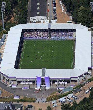 Verliebte FCE-Fans können sich schon bald direkt im Erzgebirgsstadion in Aue das Ja-Wort geben.