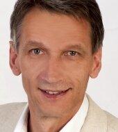 Oberbürgermeister Volker Holuscha.