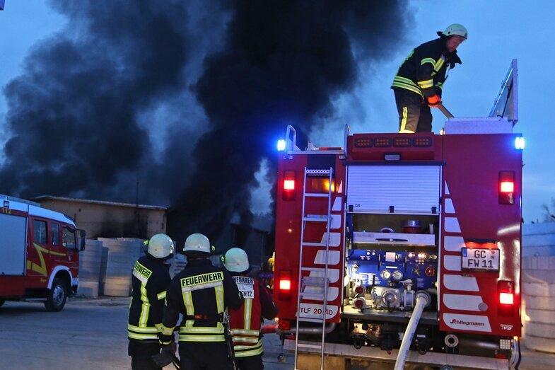 Großbrand auf Gersdorfer Firmengelände
