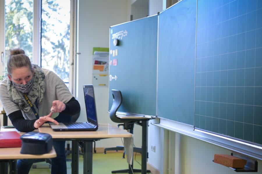 Das lange Warten auf die neuen Lehrer-Laptops