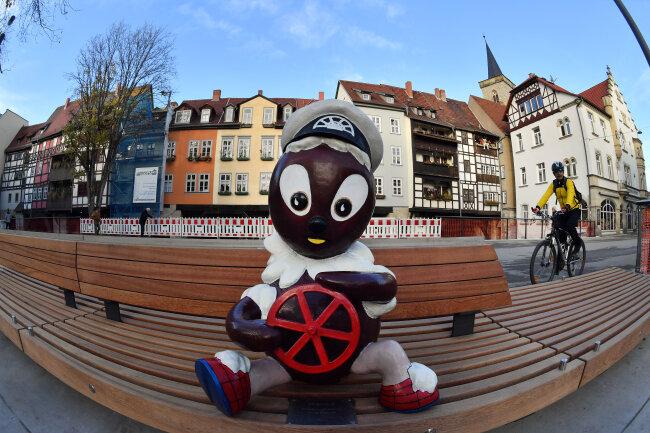 Hier trägt er sie noch: Die Kapitainsmütze haben Unbekannte der Pittiplatsch-Figur in Erfurt vom Kopf gerissen.