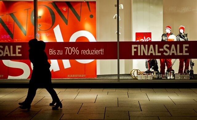 Milder Winter und Online-Boom: Einzelhandel rutscht ins Minus