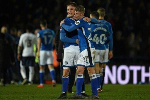 AFC Rochdale feiert das Unentschieden gegen Tottenham