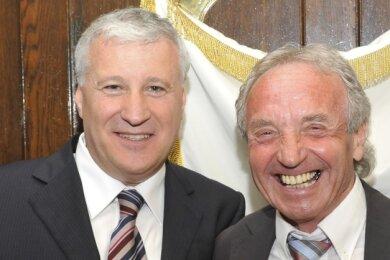 Hatten 2003 die Städtepartnerschaft vertraglich besiegelt und dann über Jahre maßgeblich geprägt: Alt-Bürgermeister Reiner Schneidenbach (rechts) aus Klingenthal und Mirco Soprani aus Castelfidardo.