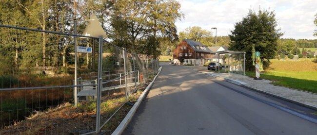 Dieser Straßenabschnitt der Oberreichenbacher Straße soll ab Montag voll gesperrt werden.