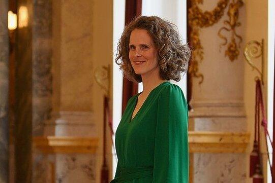 Nora Schmid, Intendantin der Oper Graz, übernimmt mit der Spielzeit 2024/25 die Leitung der Sächsischen Staatsoper Dresden.