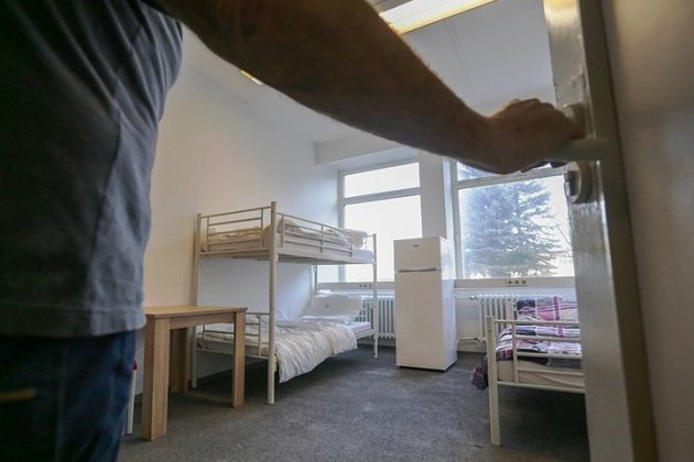 Blick in ein Unterkunftszimmer im Asylbewerberheim an der Annaberger Straße: Gegen den Betreiber der Einrichtung gibt es Betrugsvorwürfe.