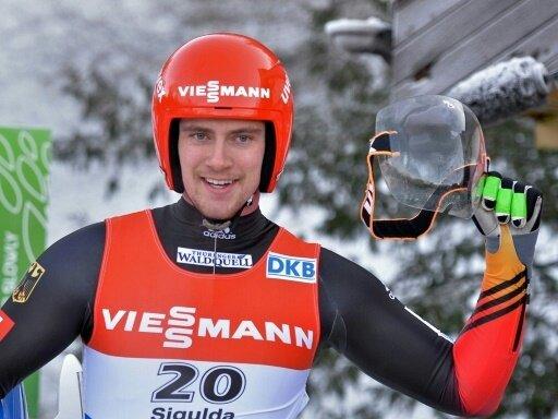 Johannes Ludwig triumphiert beim Weltcup-Auftakt in Igls