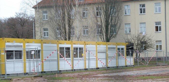 Chemnitz: Land baut Asyl-Container ohne Erlaubnis