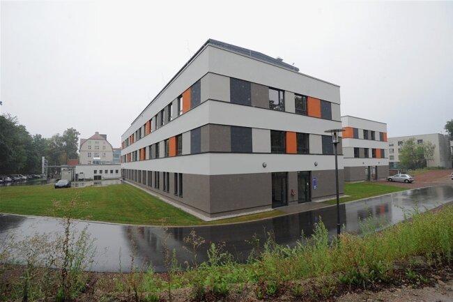 Der Standort Küchwald des Klinikums Chemnitz ist derzeit nur noch über die Beyerstraße erreichbar. Die zweite Zufahrt von der Leipziger Straße aus musste kurzfristig gesperrt werden.