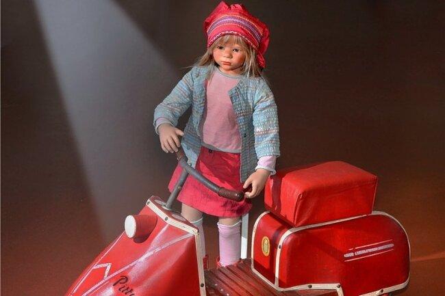 """Dieser Tretroller """"Pittylein"""" wurde von 1958 bis 1962 im Kinderwagenwerk Luckenwalde produziert. Er funktioniert wie ein Dreirad."""