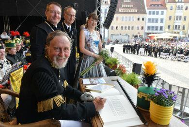 Knut Neumann wurde beim Bergstadtsommer die Ehrenbürgerschaft der Stadt Freiberg verliehen.